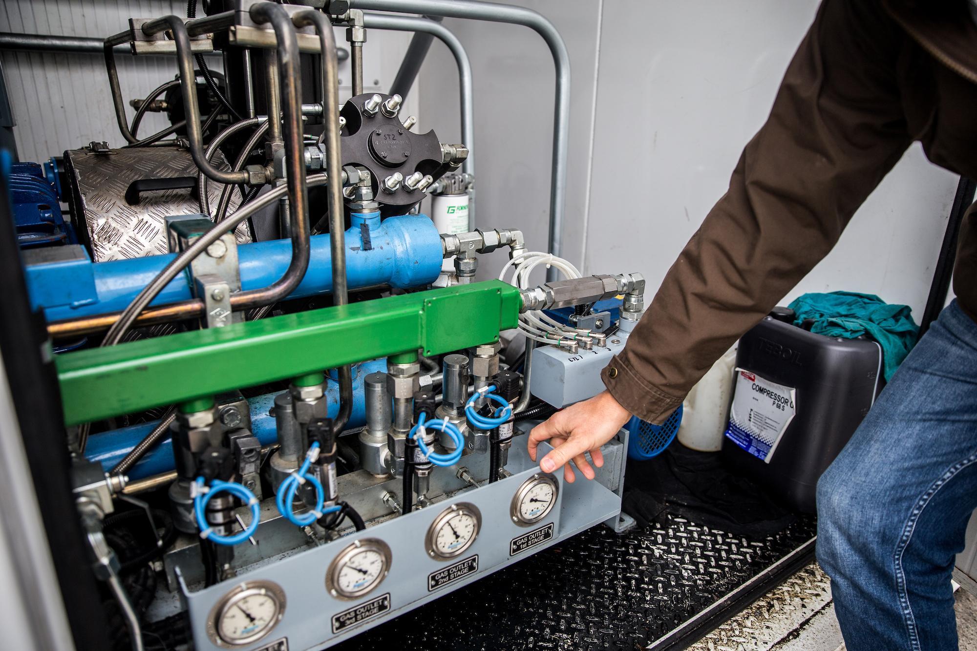 Teollisuusbiokaasun tuotantoon tarvittavaa laitteistoa