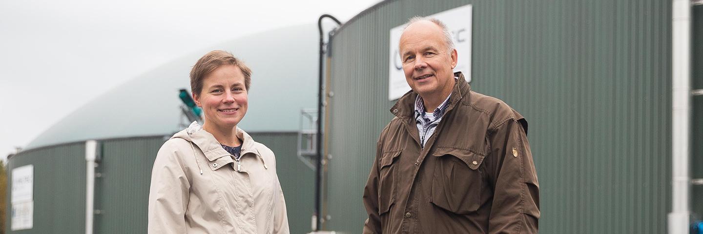 Jepuan Biokaasu henkilöstö Anne Paadar ja Kurt Stenvall
