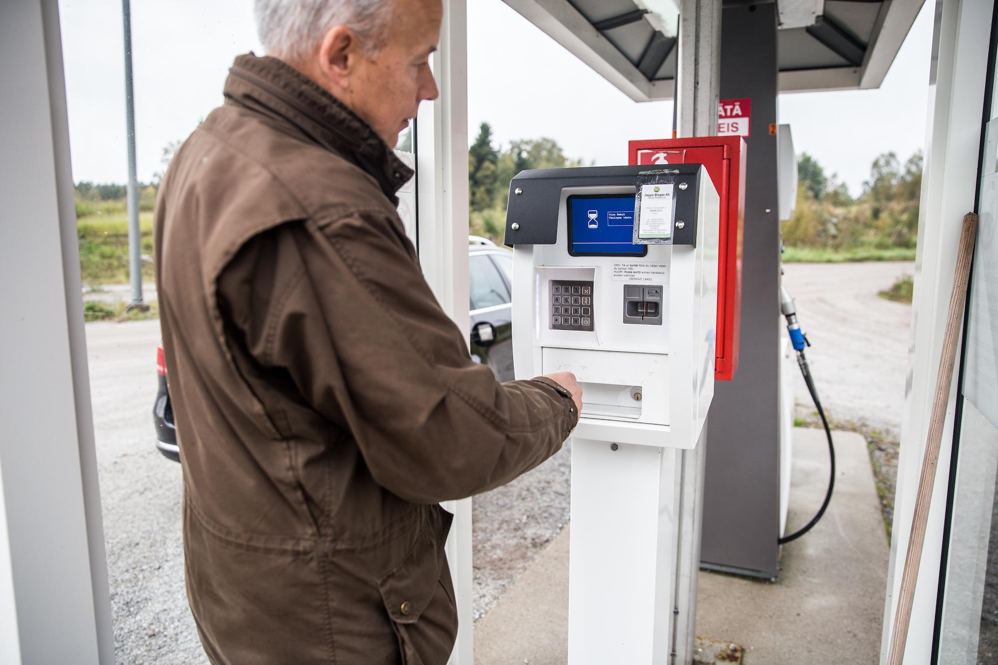 Trafikbiogas betalning under gång vid Jeppo Biogas tankstation